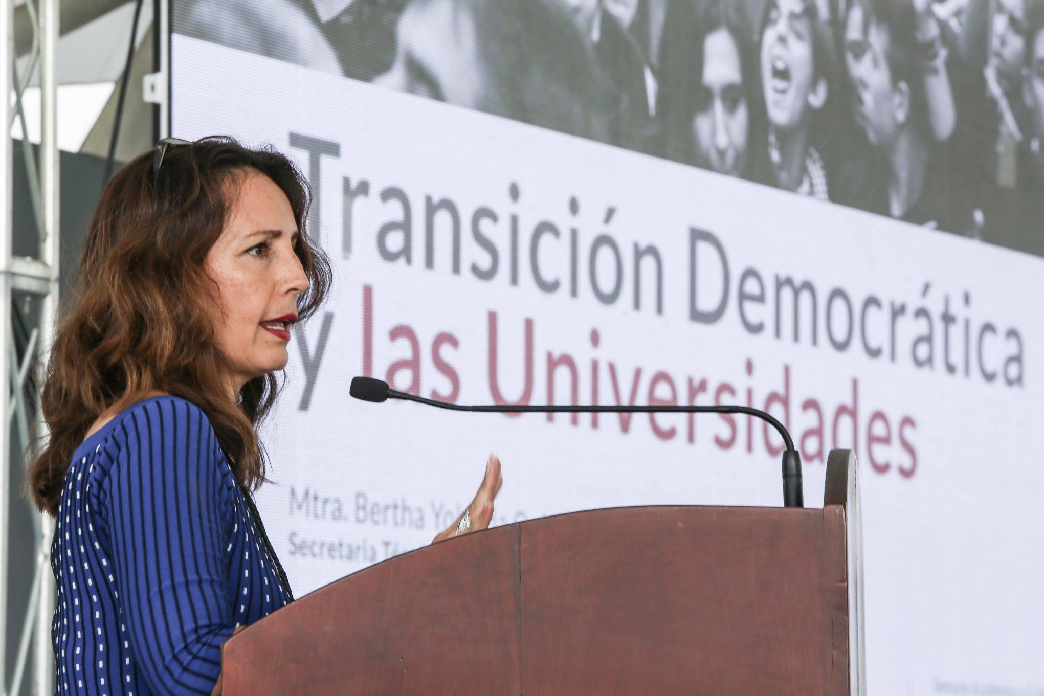 Bertha Yolanda Quintero Maciel, Transición Democrática y las Universidades